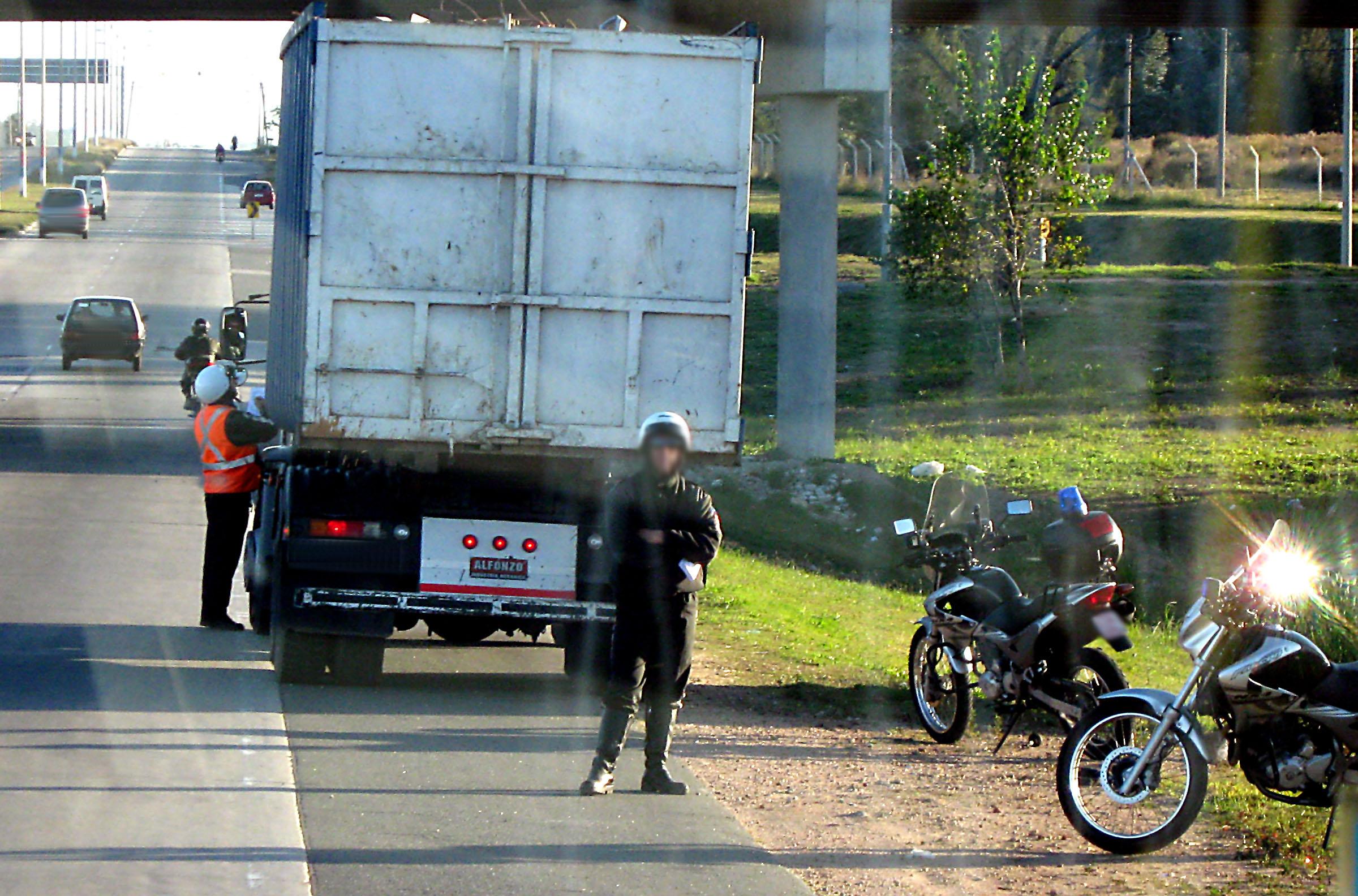 Police%20stopping%20truck.jpg